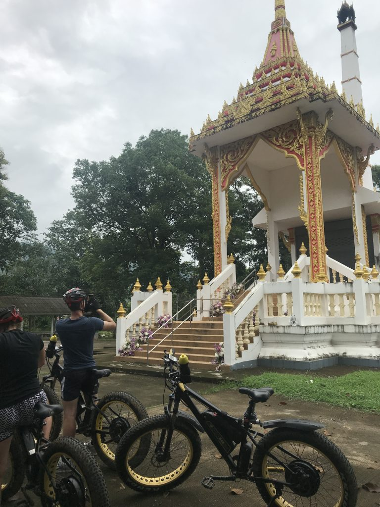 visiting a Thai crematorium | Buzzy Bee Bike, Chiang Mai, Thailand