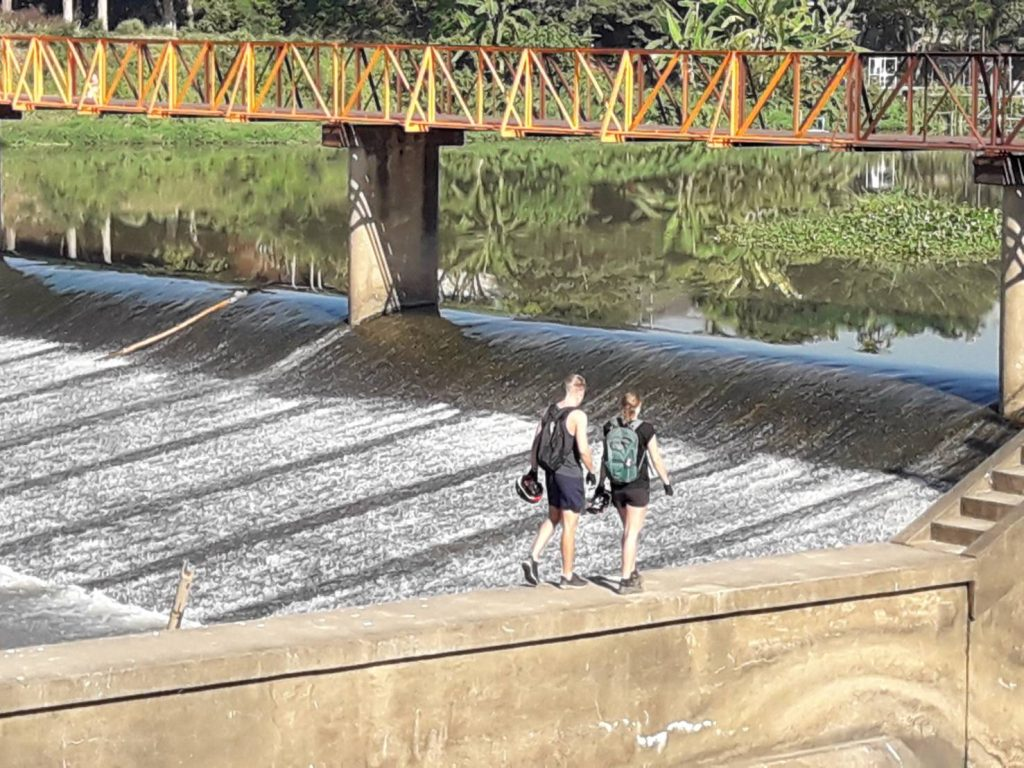 looking at the dam in Ping River | Buzzy Bee Bike, Chiang Mai, Thailand