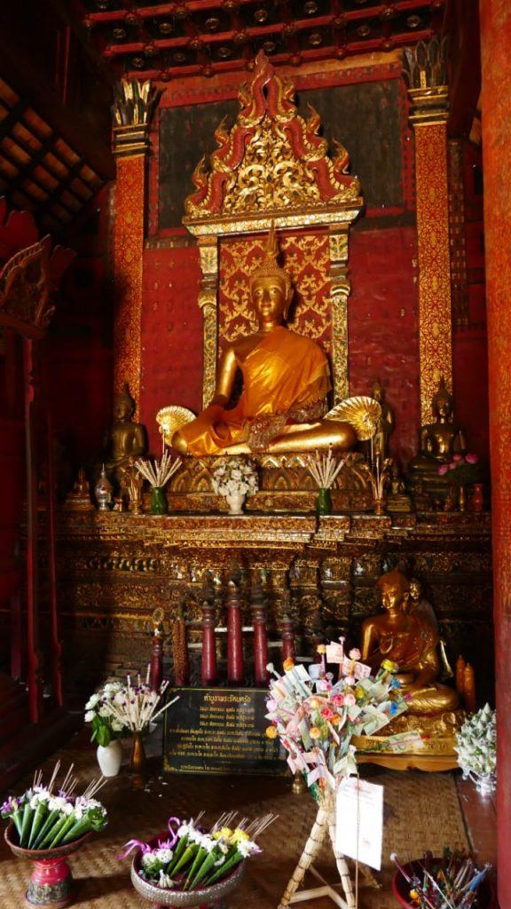 Wat Intharawat inside   Buzzy Bee Bike, Chiang Mai, Thailand