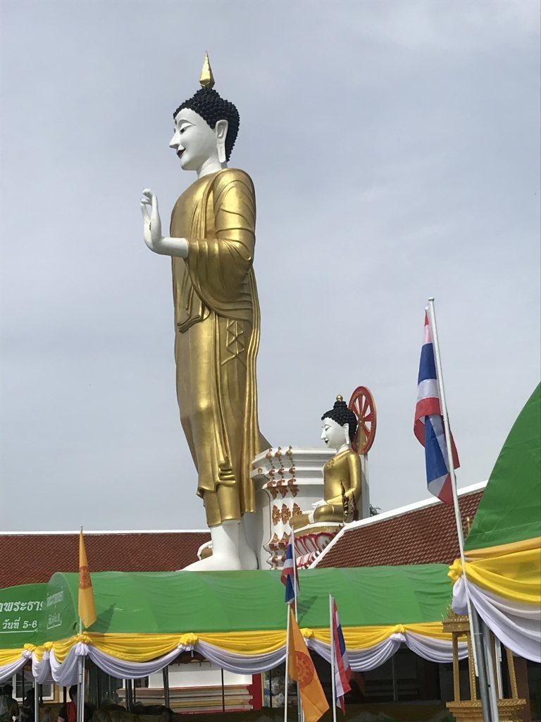 Buddha at Wat Doi Kham   Buzzy Bee Bike, Chiang Mai, Thailand