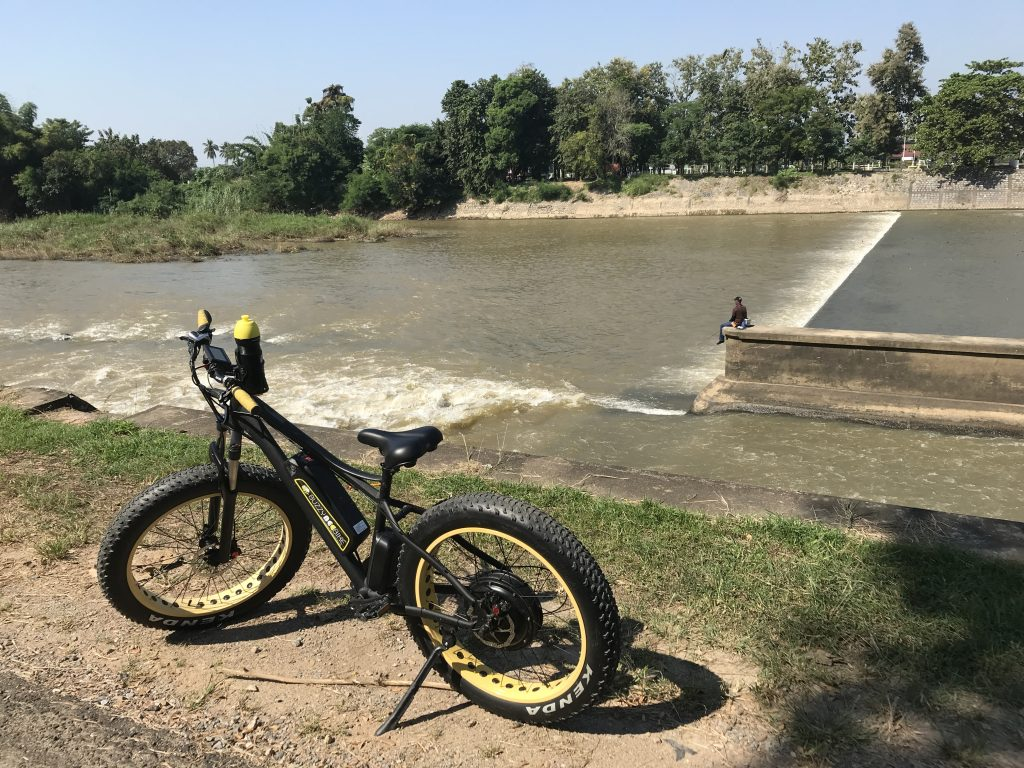 fishing at the dam | Buzzy Bee Bike, Chiang Mai, Thailand